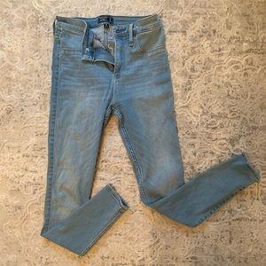 Abercrombie light wash jeans NWOT